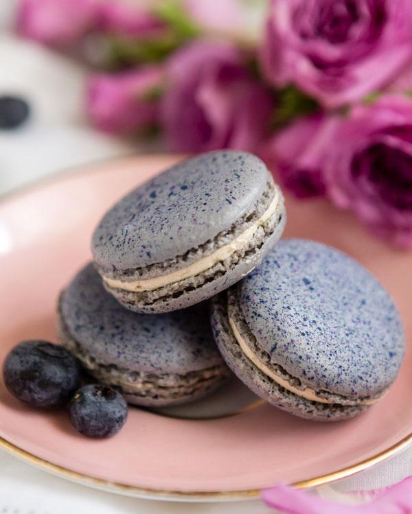 Blueberry Pancakes Macaron