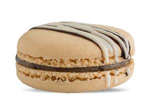 Cookies and Cream Macaron